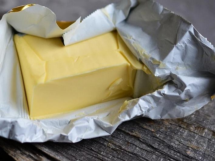 Россия увеличила экспорт сливочного масла на83%, сыров итворога— на13%